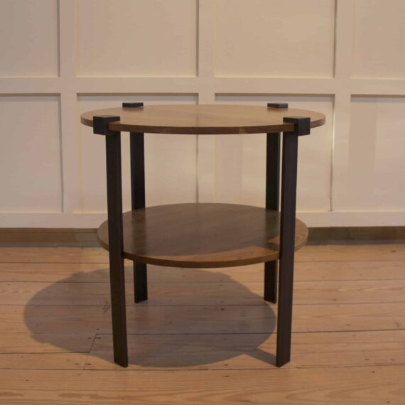 round-top-clasp-table